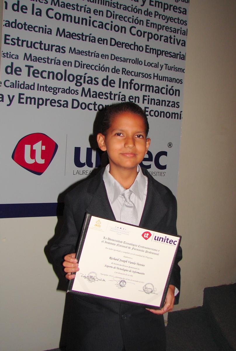 Richard, graduado de Unitec en Infop